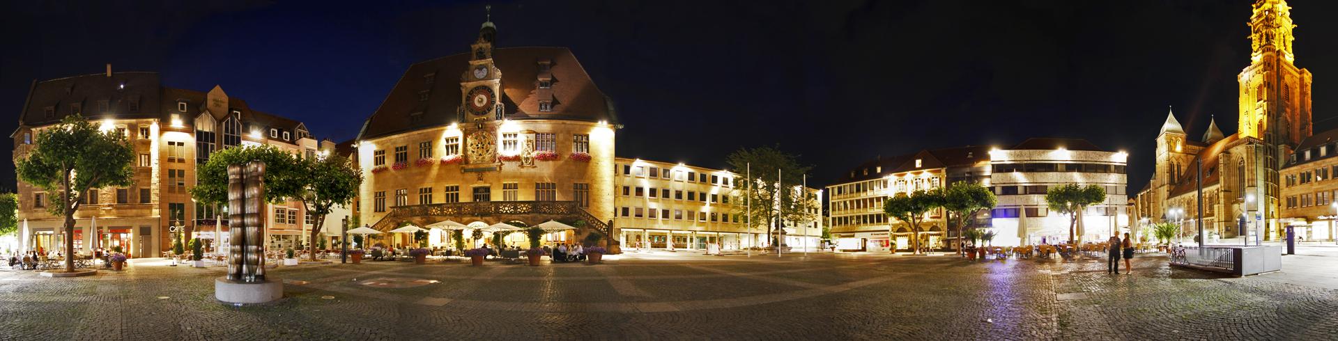 Nachtaufnahme Innenstadt Heilbronn Marktplatz und Rathaus
